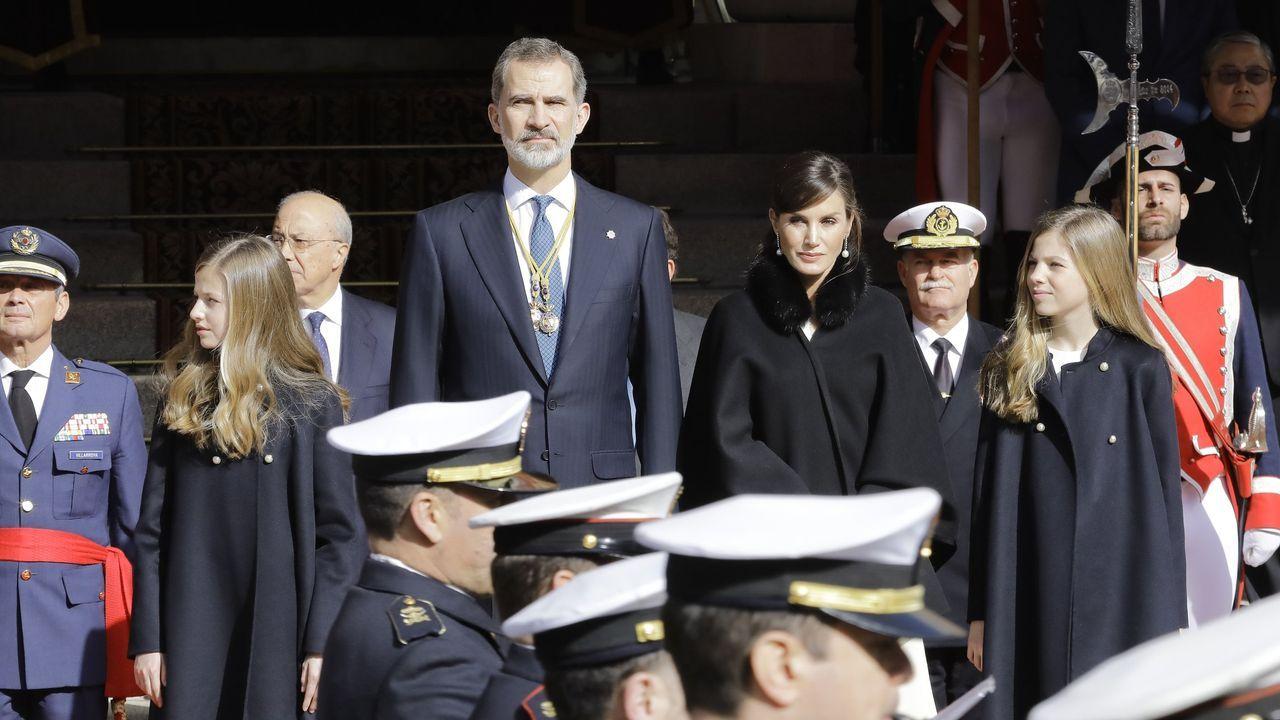 La familia real hace pública su nueva imagen.Felipe VI, en una imagen durante su visita al Arsenal de Ferrol en noviembre del 2016