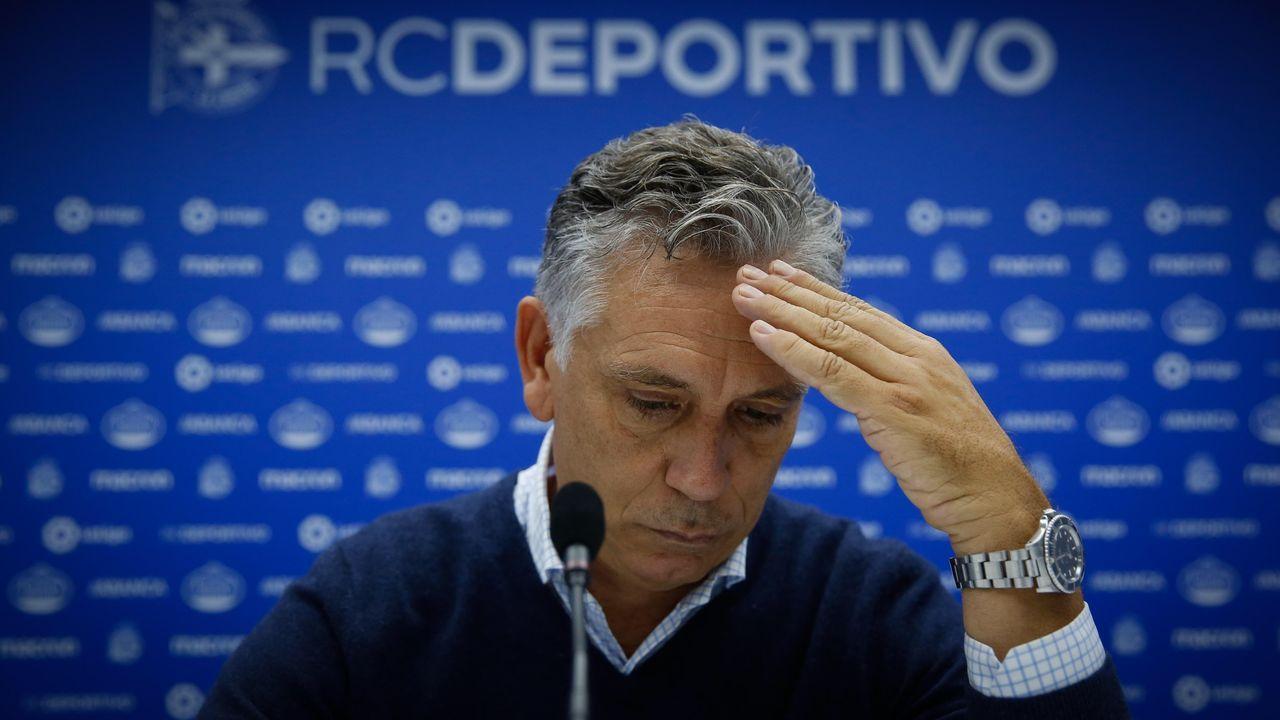 Paco Zas salió a ratificar a Anquela antes de sustituirlo tras el empate ante el Almería. Fue una comparecencia por la que recibió muchas críticas.