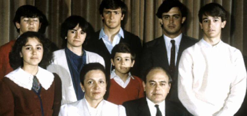 Los Pujol, una familia bajo sospecha.El delantero asturiano Toni Pérez mantuvo en Mataró su habitual cita con el gol.
