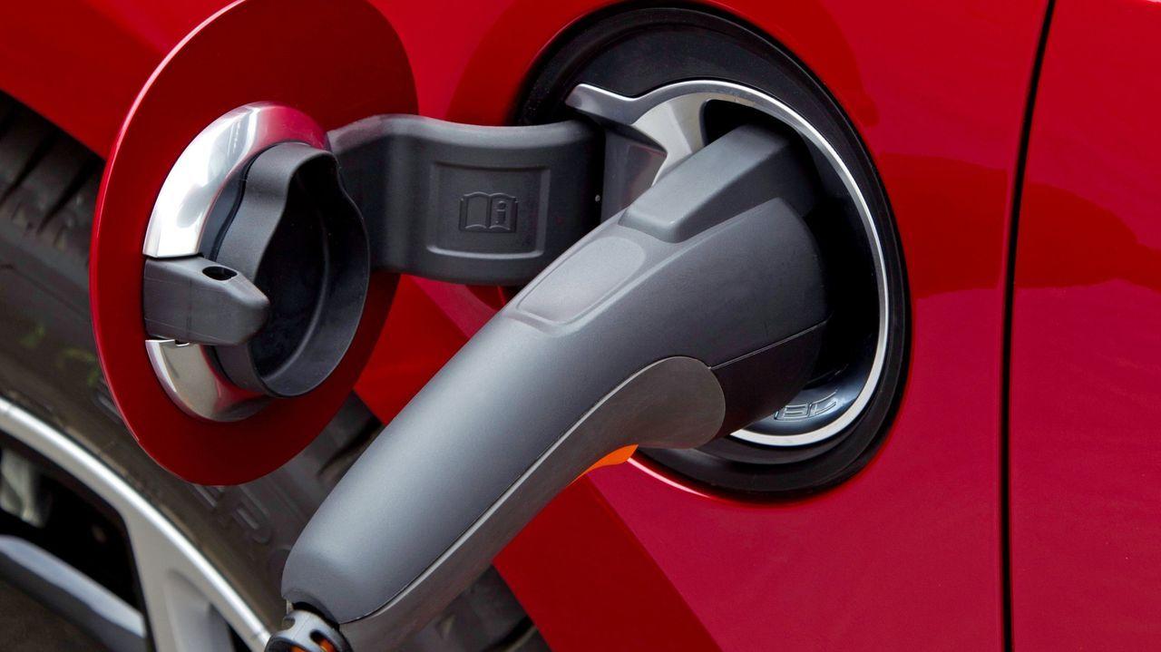 El nuevo modelo de factura está pensado para incentivar la compra de coche eléctrico, que se recargaría de noche o fines de semana, cuando será más barato