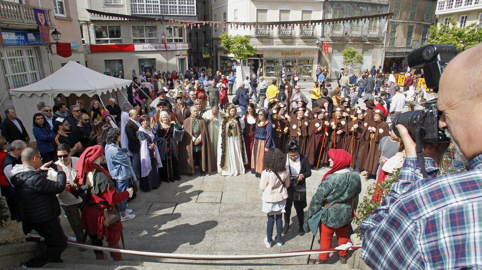 Momentos previos a la inauguración de la Feira Medieval, a las doce del mediodía de este sábado