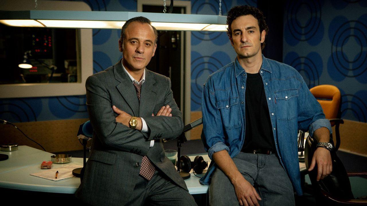 Javier Gutiérrez y Miki Esparbé en el rodaje de la serie