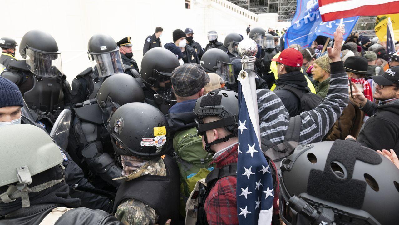 Enfrentamientos entre la policía y los manifestantes