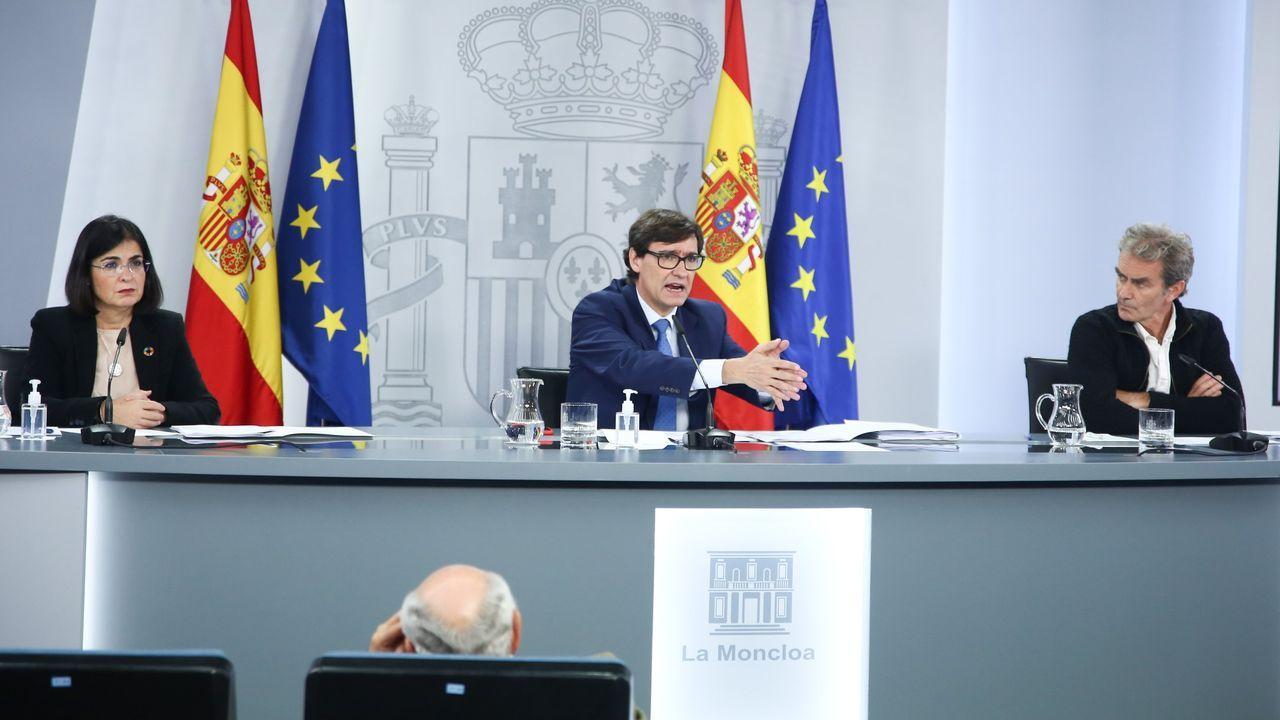 Comparecen los ministros Salvador Illa y Carolina Darias junto a Fernando Simón.El Consejo de Europa retiró la bandera británica  el 31 de enero del 2020 tras materializarse el «brexit» y abrirse el período de transición que finaliza el 31 de diciembre