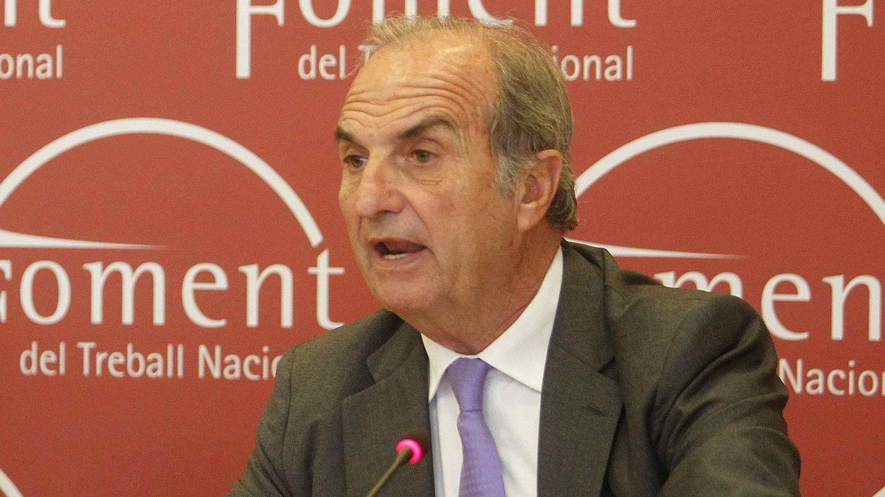 Casado retira nieve de las puertas de varios centros de salud de Madrid.Joaquim Gay de Montellà, expresidente de Foment del Treball