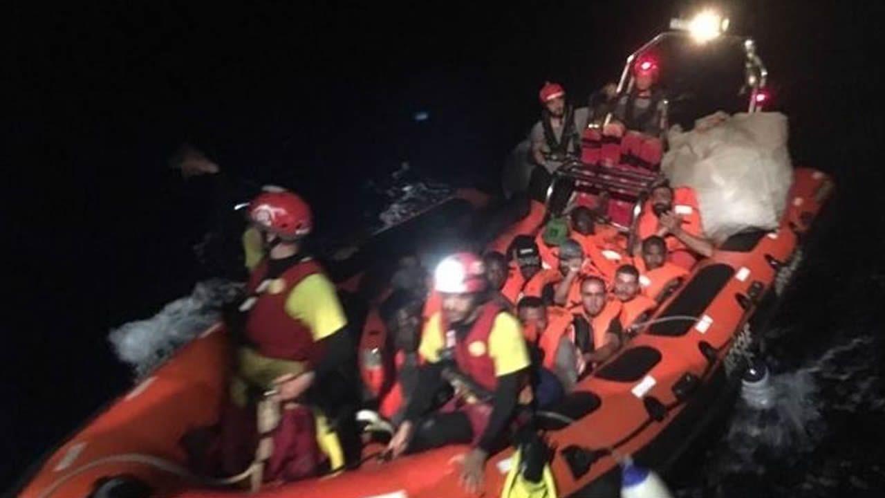 Rescate de inmigrantes por parte del Open Arms