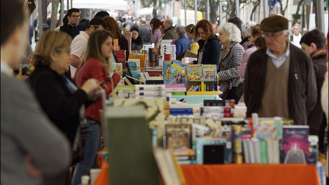 El Día del Libro coge fuerza con actividades para todas las edades.A escritora María Victoria Moreno