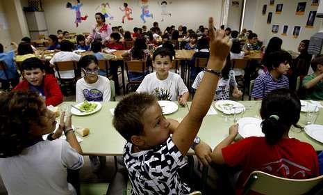 Varias empresas de Santiago presentan ofertas para los comedores escolares.