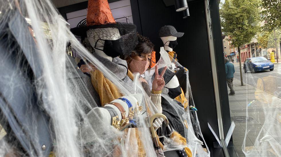 Las imágenes de la etapa entre Mos y Puebla de Sanabria.Carmen Paradelo, en el escaparate de Meigallo en O Barco de Valdeorras