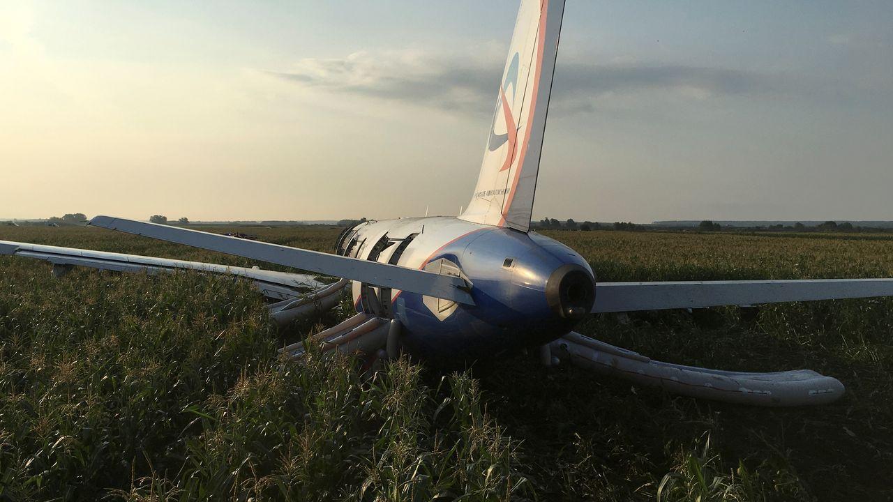 Aterrizaje milagrosoen Rusia.El ministro de Exteriores ruso, Serguei Lavrov