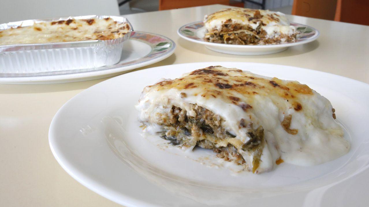 La lasaña es de los platos que más gusta en el Venecia