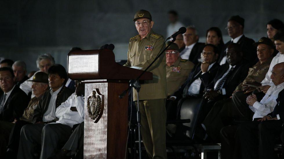 El presidente de Cuba, Raúl Castro, en el funeral de su hermano Fidel Castro