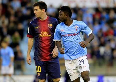 Levy Madinda con Messi en el partido de su debut.