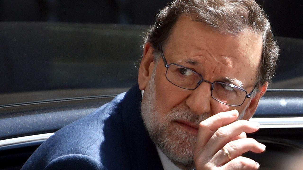 Rato se dirige a sus compañeros de prisión tras obtener el tercer grado.Rodrigo Rato, entonces presidente de la entidad, el día de la salida a bolsa de Bankia