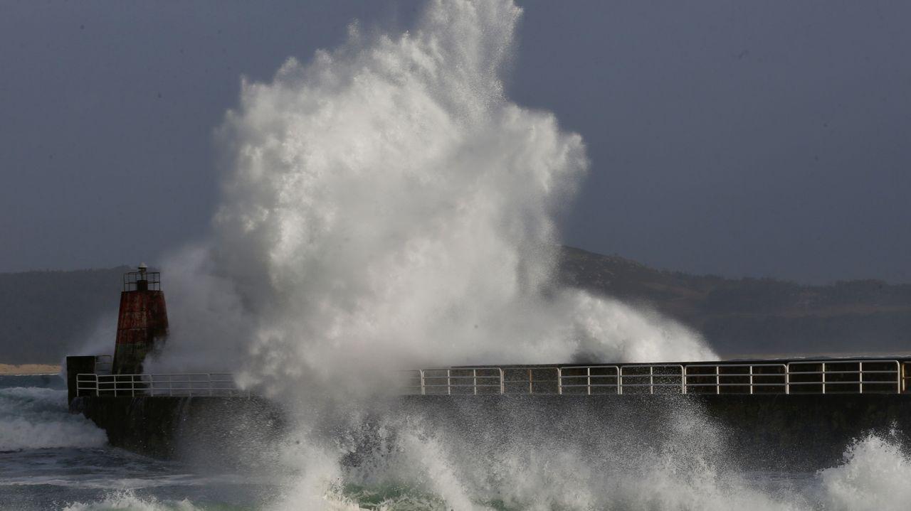 El temporal dejó olas de más de seis metros en Corrubedo
