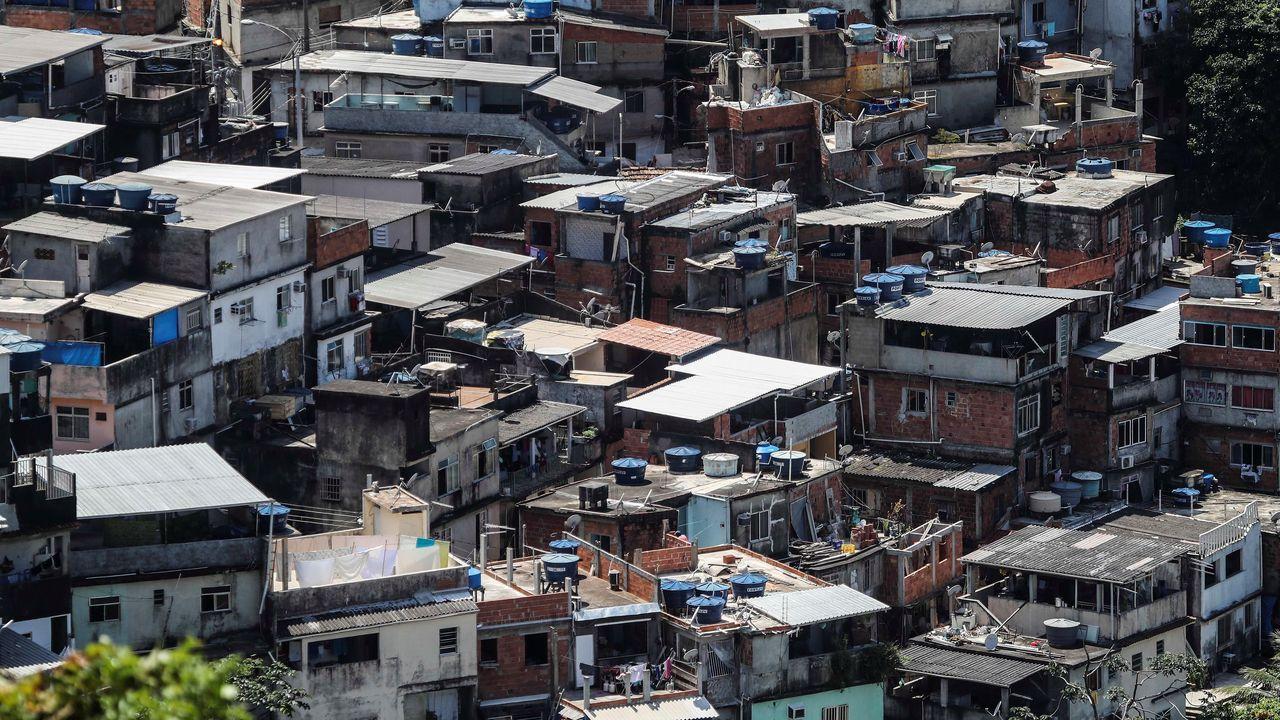 Narcos y milicianos han decretado el toque de queda en las favelas