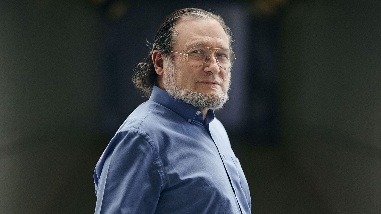 Los posados del modelo que arrasa en la Red.El economista Santiago Niño-Becerra, que anticipó el crash del 2010