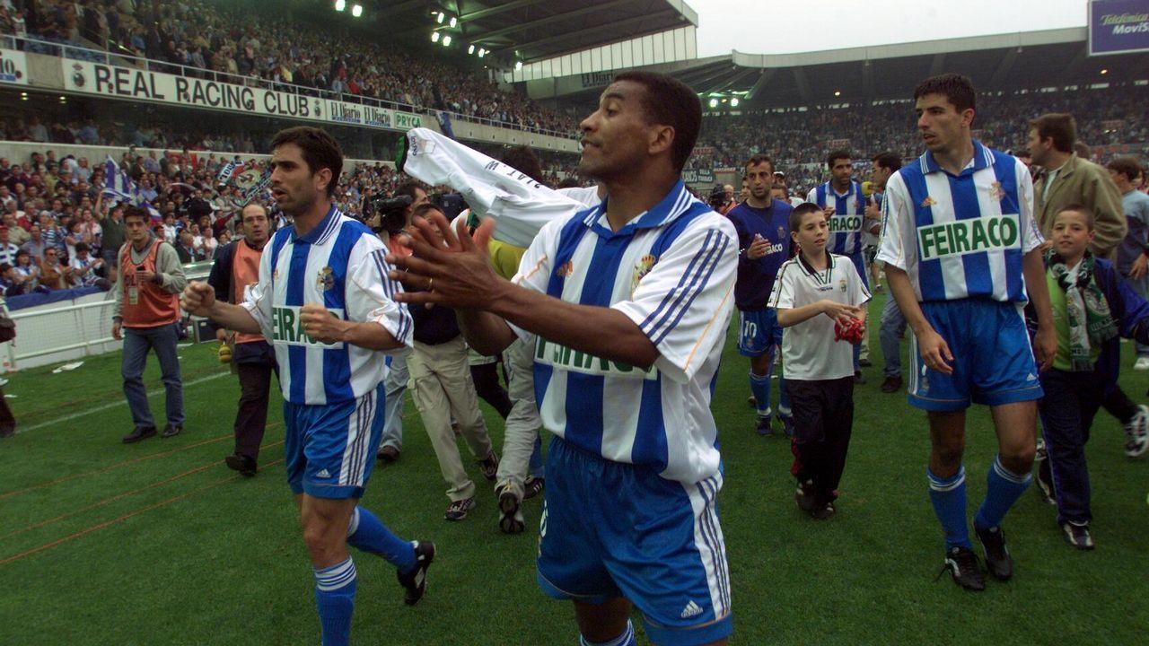 Mauro Silva en el Sardinero en la penúltima jornada de la temporada 1999-2000 que dejaba al Deportivo a un paso del título liguero