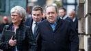 Salmond llegaó acopñado de su hermana al Tribunal Supremo de Edimburgo