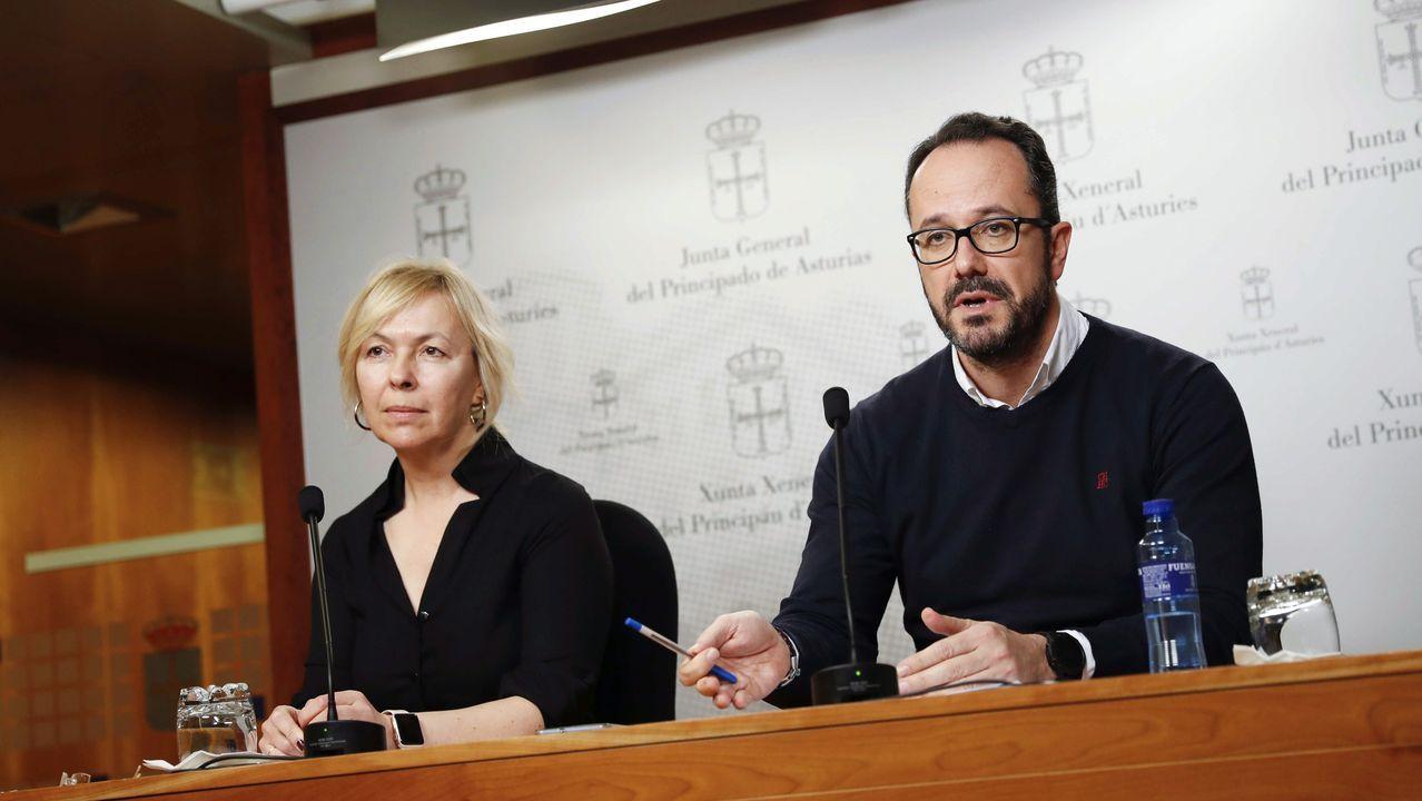 Comparecencia de Pedro Sánchez en el Congreso.Los diputados de Vox en la Junta General, Ignacio Blanco y Sara Álvarez Rouco