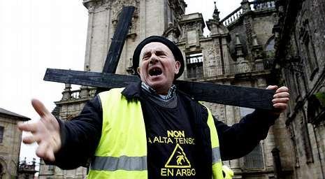 Los vecinos de Arbo se manifestaron recientemente en Santiago para hacerse oír por las autoridades.