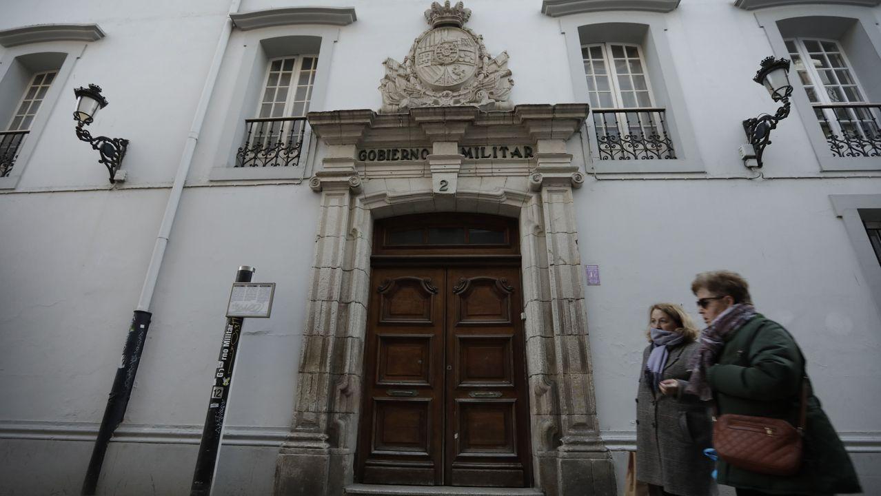 Así amaneció la ciudad de A Coruña.Academia Euroschool of english, que tiene dos sedes en A Coruña. En la foto, el dueño y profesor Terence James Paul.