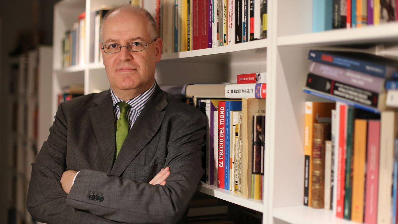 La CUP anuncia una abstención que permitirá a Quim Torra ser elegido presidente de la Generalitat.Manuel Valls, en un acto este abril en Barcelona
