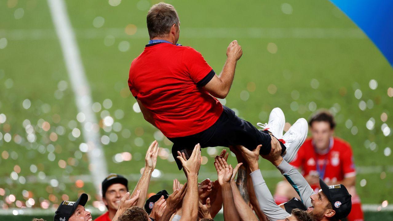 Graves altercados en París tras la derrota del PSG en la final de la Champions.Bartomeu, a la izquierda, durante la ofrenda floral con motivo de la Diada de Cataluña