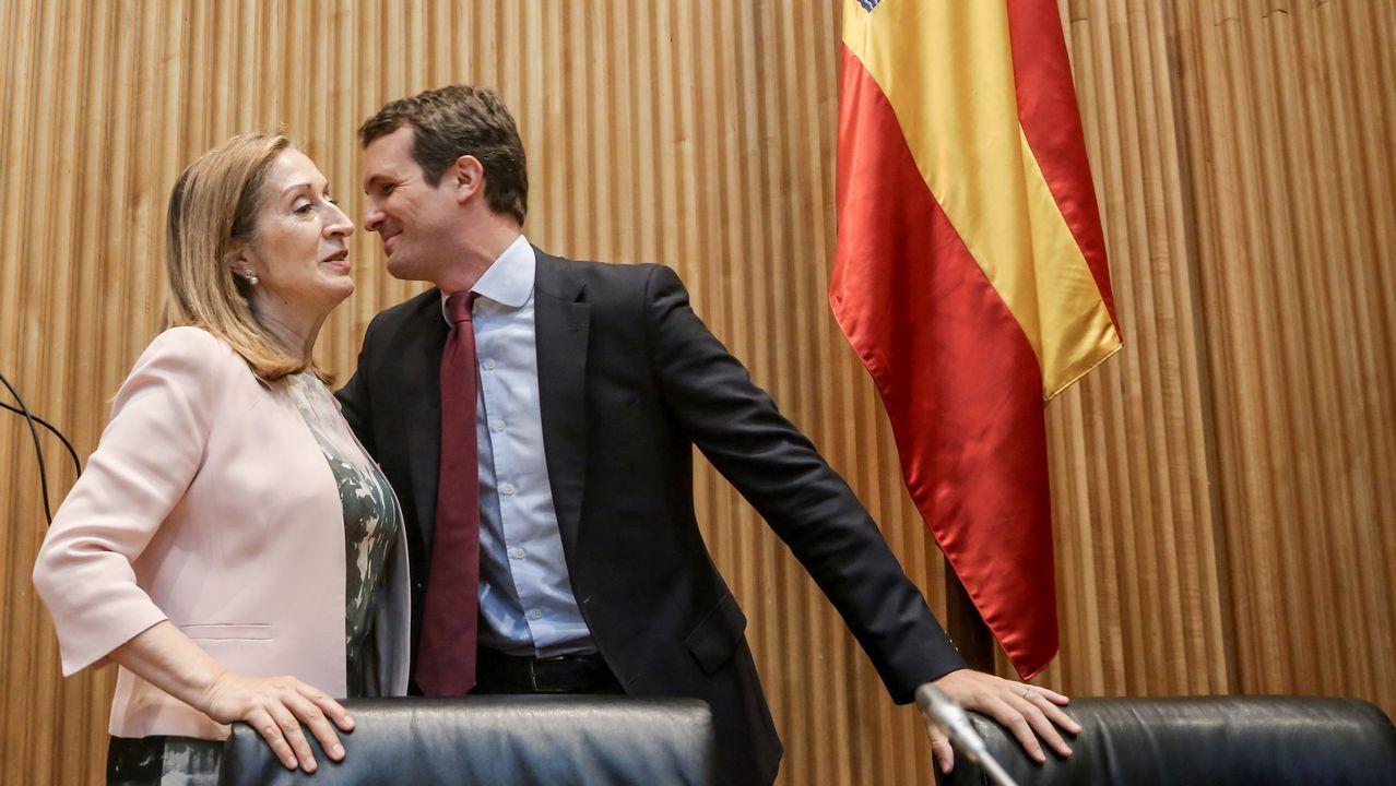 La presidenta en funciones del Congreso, Ana Pastor, y el presidente del PP, Pablo Casado