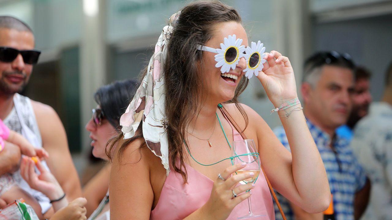 Festa do Albariño, en Cambados.La Festa do Albariño es otro de los clásicos del verano. Cambados se convierte en la cuna de este caldo tan apreciado