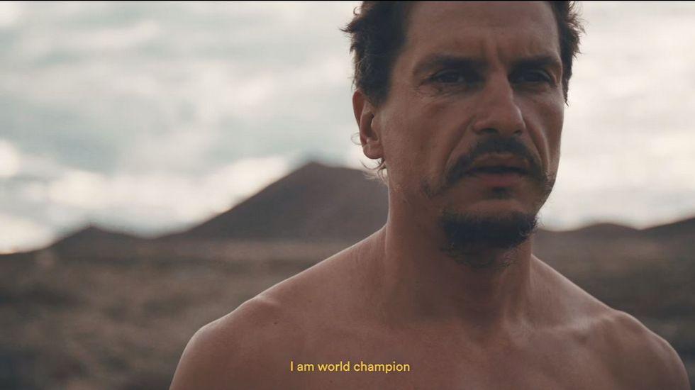 Así es la vida del «hombre de hierro»