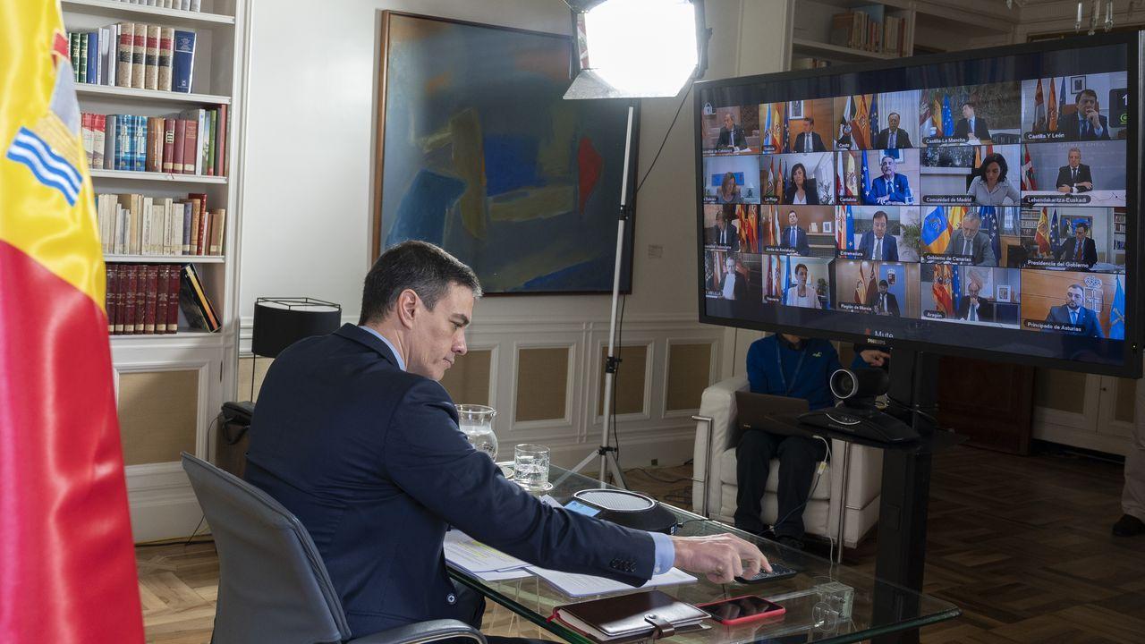 Comparecencia de Pedro Sánchez en el Congreso.Gómez-Reino, na praza da Fariña da Coruña, onde iniciou a súa actividade política hai seis anos