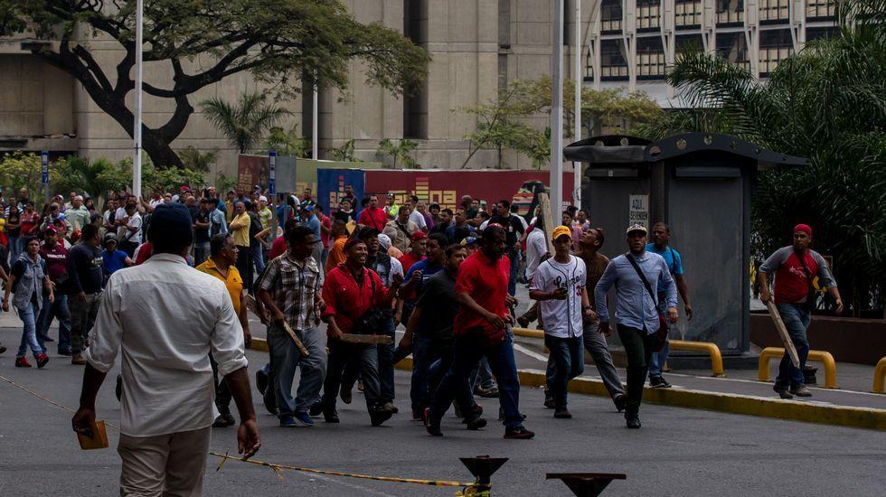 Venezuela entra en una situación límite.Rivera y el líder opositor venezolano, Henrique Capriles