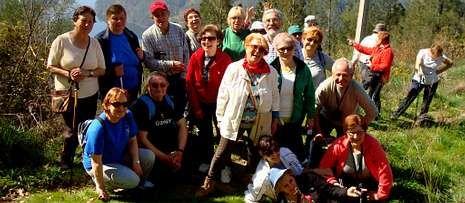 Continúan las tareas de búsqueda.Los amigos del Camino de Invierno en un alto del recorrido que realizaron por tierras de O Saviñao