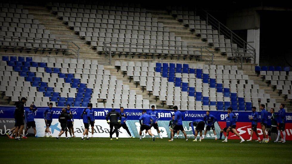 La plantilla del Real Oviedo en un entrenamiento en el Carlos Tartiere