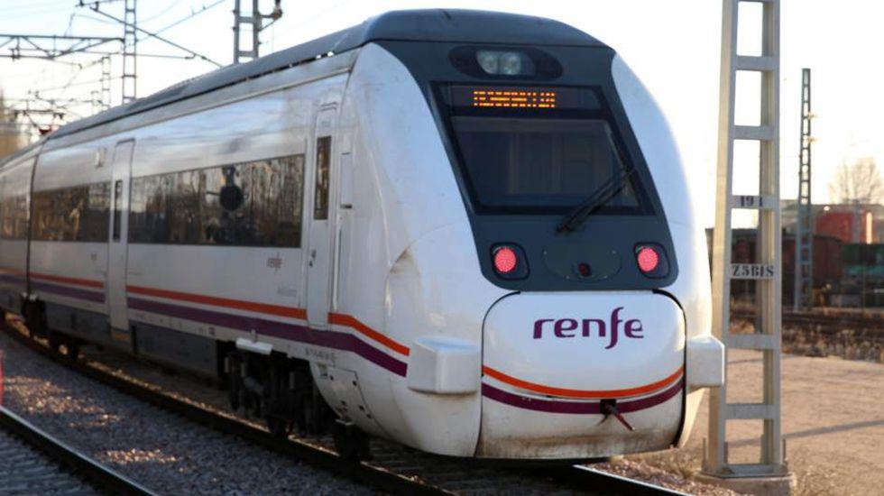 Valdeorras reclama que se mantenga la venta de billetes de tren en O Barco y A Rúa.Tren de Renfe