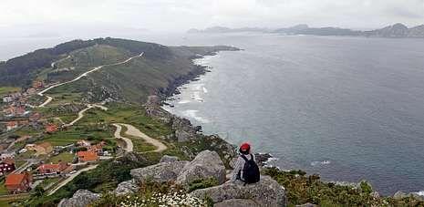 . La Costa da Vela, desde Cabo Home hasta O Facho, constituye un gran espectáculo por el alto interés paisajístico y medioambiental que tiene esta zona de la península de O Morrazo.