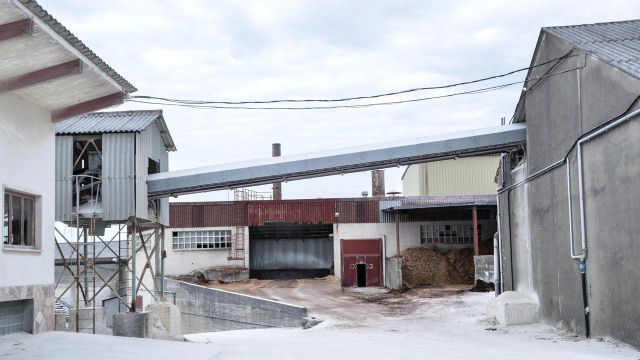 Laboral Ciudad de la Cultura.Parte de las instalaciones de la empresa de Burela donde sucedió el accidente. Cerró a finales a mediados de esta década.