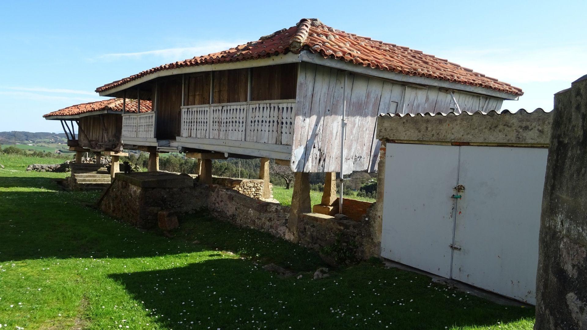 Panera del siglo XVIII en Podes, Gozón