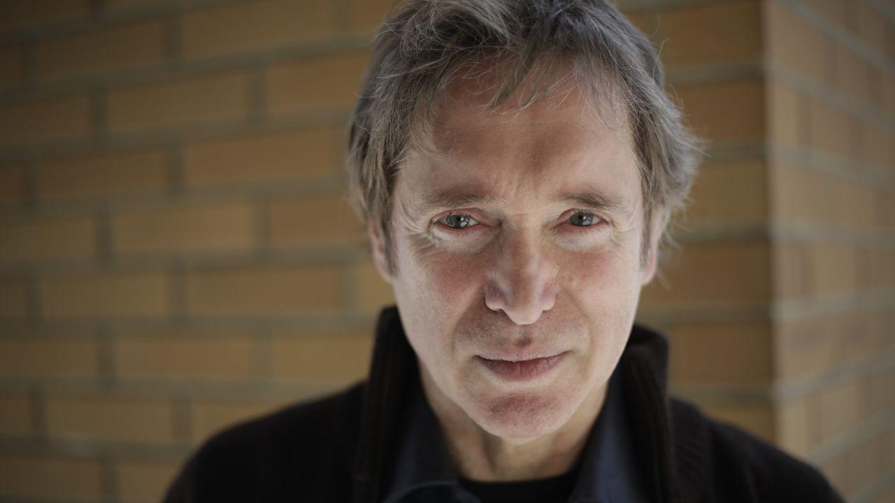 El escritor coruñés Celso Castro