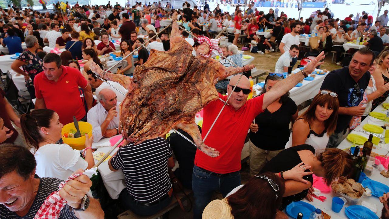 Festa do porquiño á brasa en Amil, Moraña