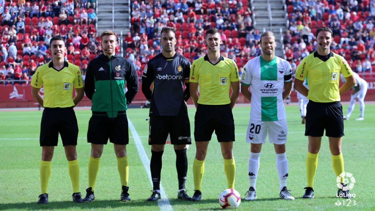 Moreno Aragon arbitro Mallorca Extremadura Son Moix.Mossa e Ibrahima celebran el primer gol ante el Reus