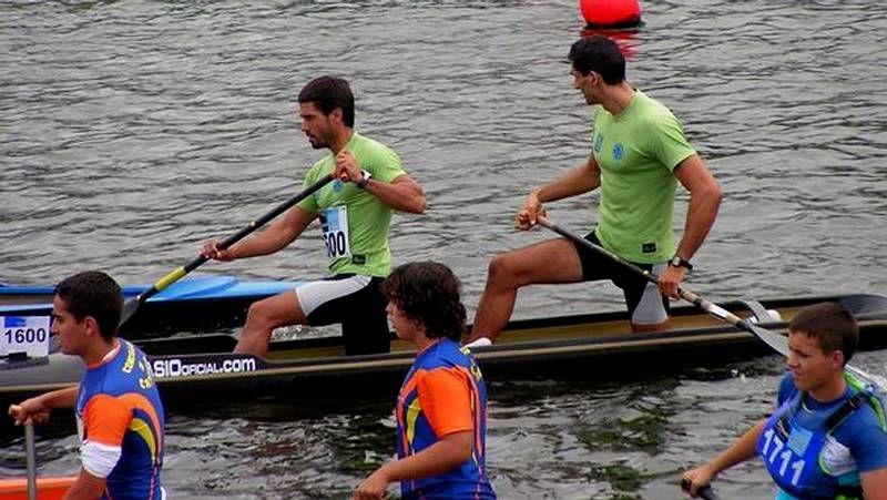 Tono Campos (en la imagen de la izquierda) ganó un oro (C-1) y un bronce (C-2); mientras que Graña y Ferro se colgaron el oro (C-2).