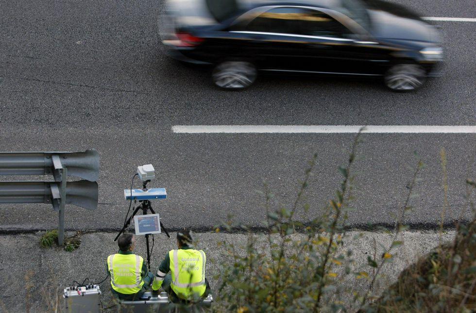 Control de velocidad de la Guardia Civil Tráfico en la A-52 en dirección a Ourense.