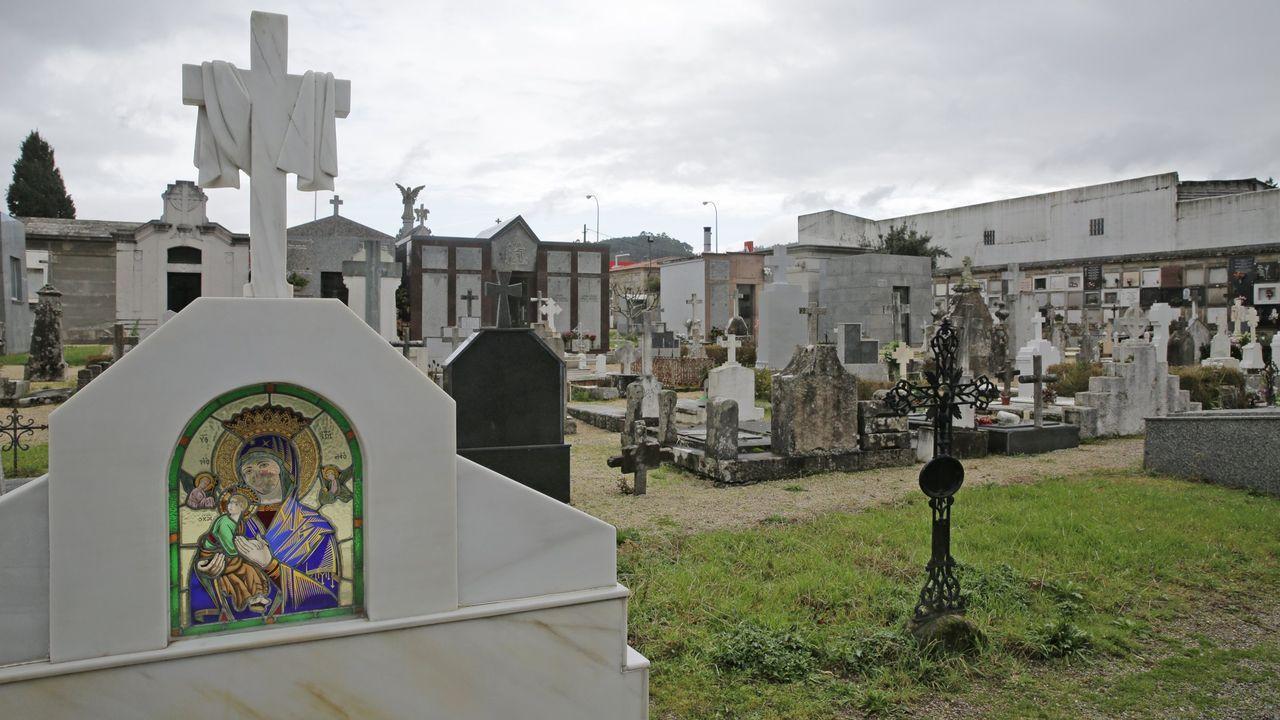 A la izquierda, Antonio García Martos, «Toninho». A la derecha, Asunción Losada Camba. Ambos integrantes de Resistencia Galega han sido detenidos. Estaban en la lista de los más buscados.