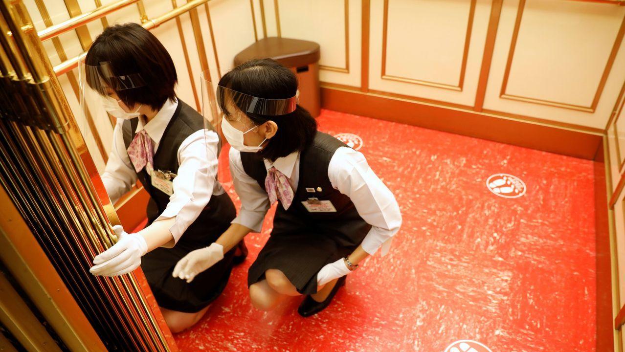 En Tokyio han desarrollado un sistema con el que evitar tocar los botones del ascensor