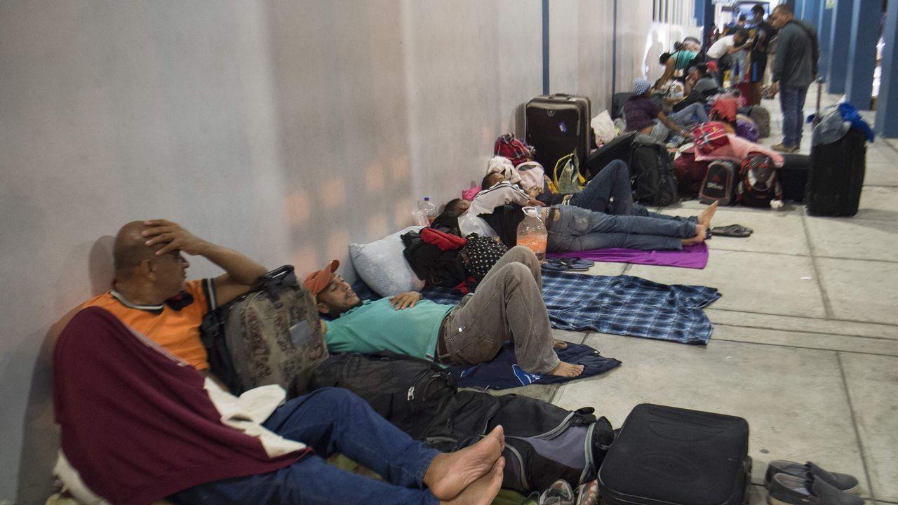 Venezolanos en la frotenra de Perú