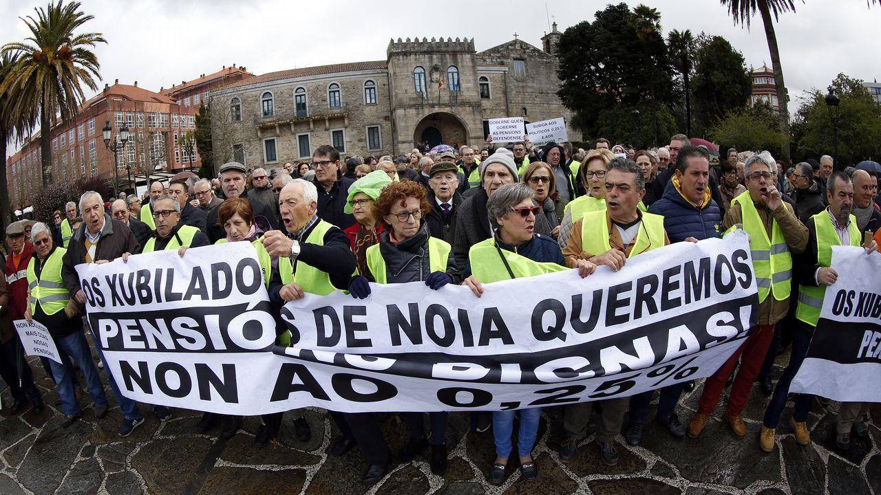 Albert Rivera: «Vamos a ser decisivos para que muchas alcaldías no tengan alcaldes populistas».De izquierda a derecha, Ábalos, Narbona, Sánchez y Lastra
