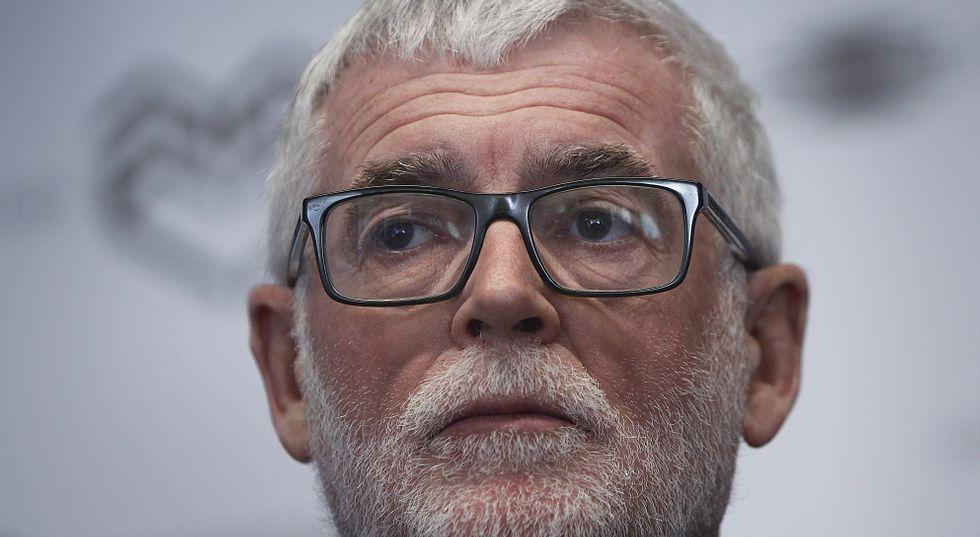 Toma de posesión de Julio Abalde como rector de la UDC.Pena, a la izquierda, felicitando a Abalde el pasado diciembre tras las elecciones.