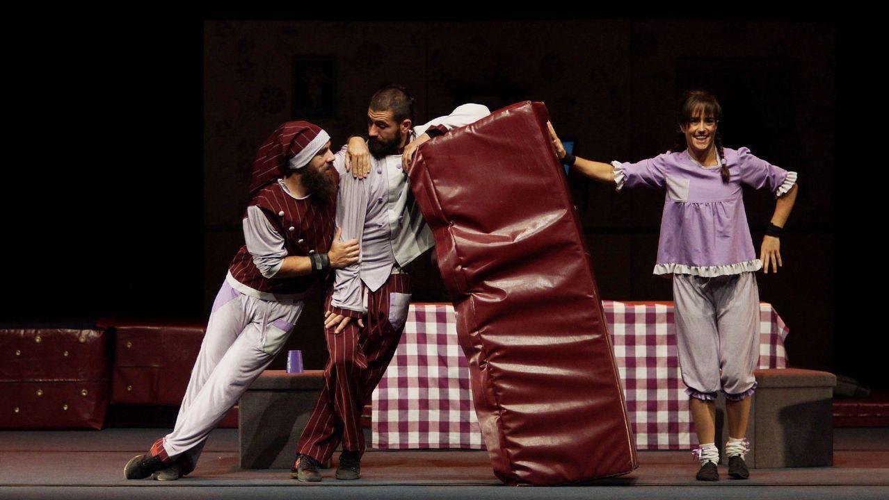 Así son los nuevos cines de As Termas.Encendido de la Navidad en el Corte Inglés de Ramón y Cajal, con performance aérea y circo acrobático